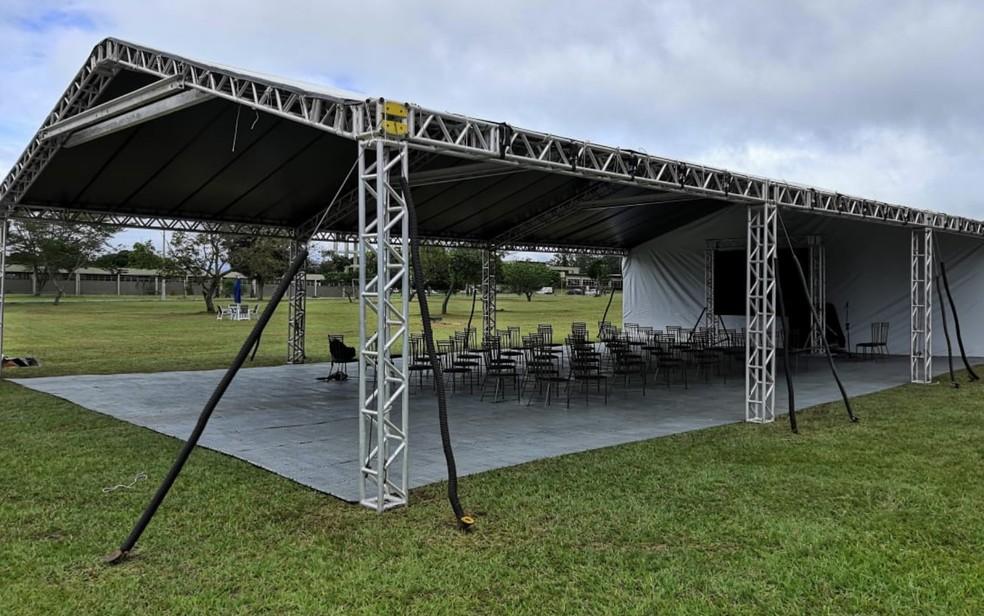 Espaço para banda militar se apresentar aos repatriados na Base Aérea de Anápolis Goiás — Foto: Sílvio Túlio/G1 GO