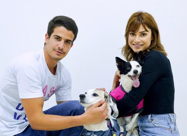 Enzo Celulari e Thaila Ayala (Foto: Mario Brejeira/Divulgação)