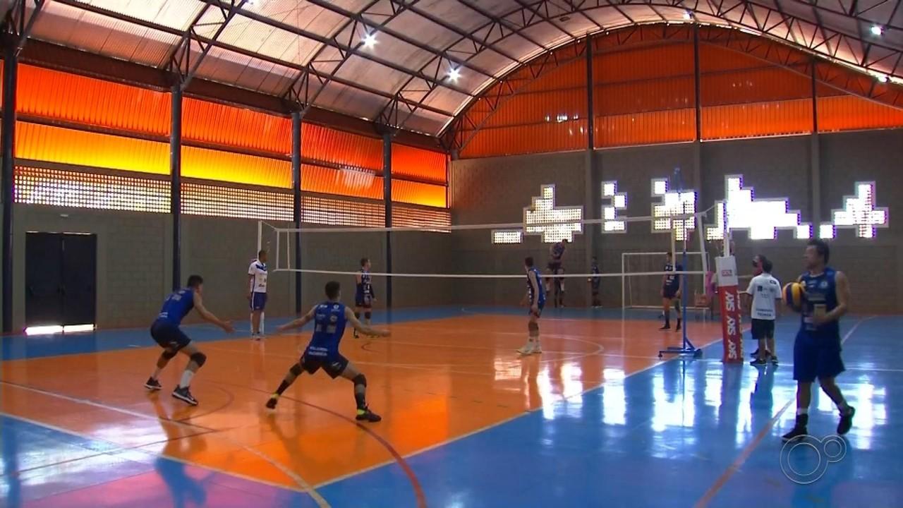 Iacanga busca fortalecer o vôlei masculino e enfrenta equipe de Lucas do Rio Verde