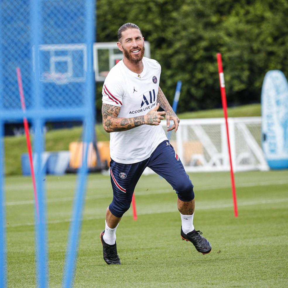 Sergio Ramos ficará pelo menos uma semana afastado dos treinos do Paris Saint-Germain — Foto: Divulgação/PSG