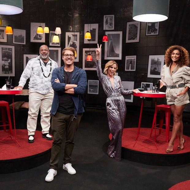 Fábio Porchat com Ailton Graça, Ana Furtado e Juliana Paes (Foto: Ju Coutinho/GNT)