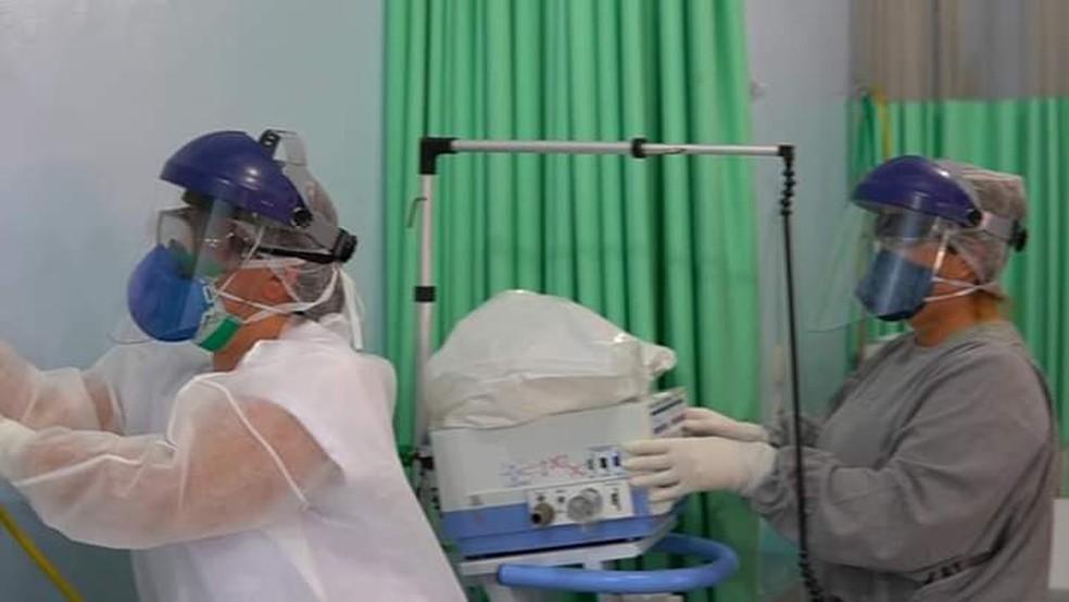 Profissionais de saúde de Sumaré no atendimento a pacientes com suspeita do novo coronavírus. — Foto: Fabio Trevisan