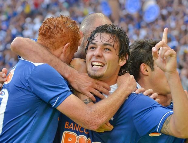 Ricardo Goulart gol Cruzeiro (Foto: Daniel Oliveira / Ag. Estado)