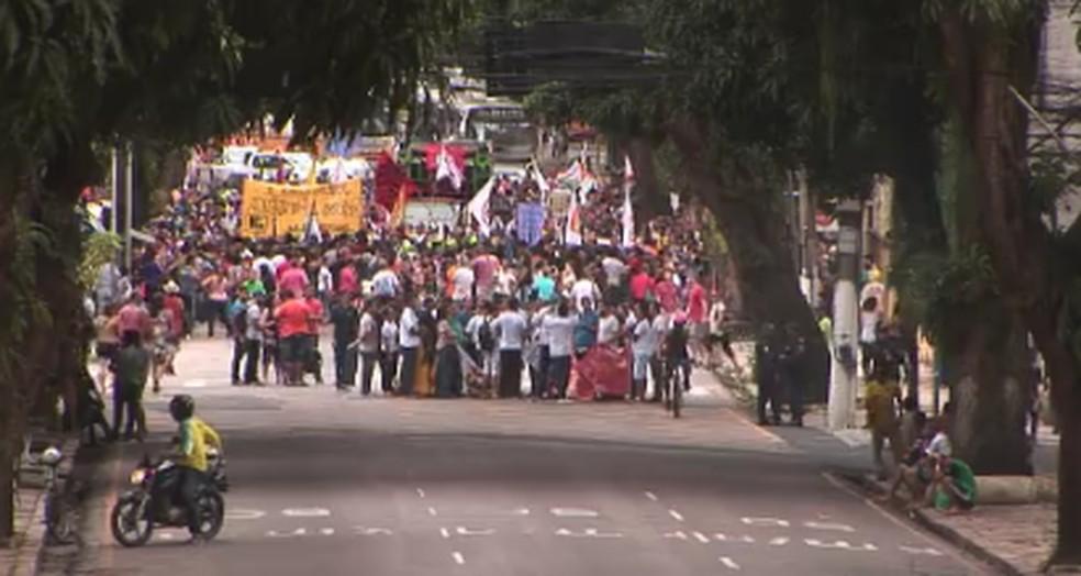 protesto previdencia - Trabalhadores fazem protesto contra a Reforma da Previdência, em Belém