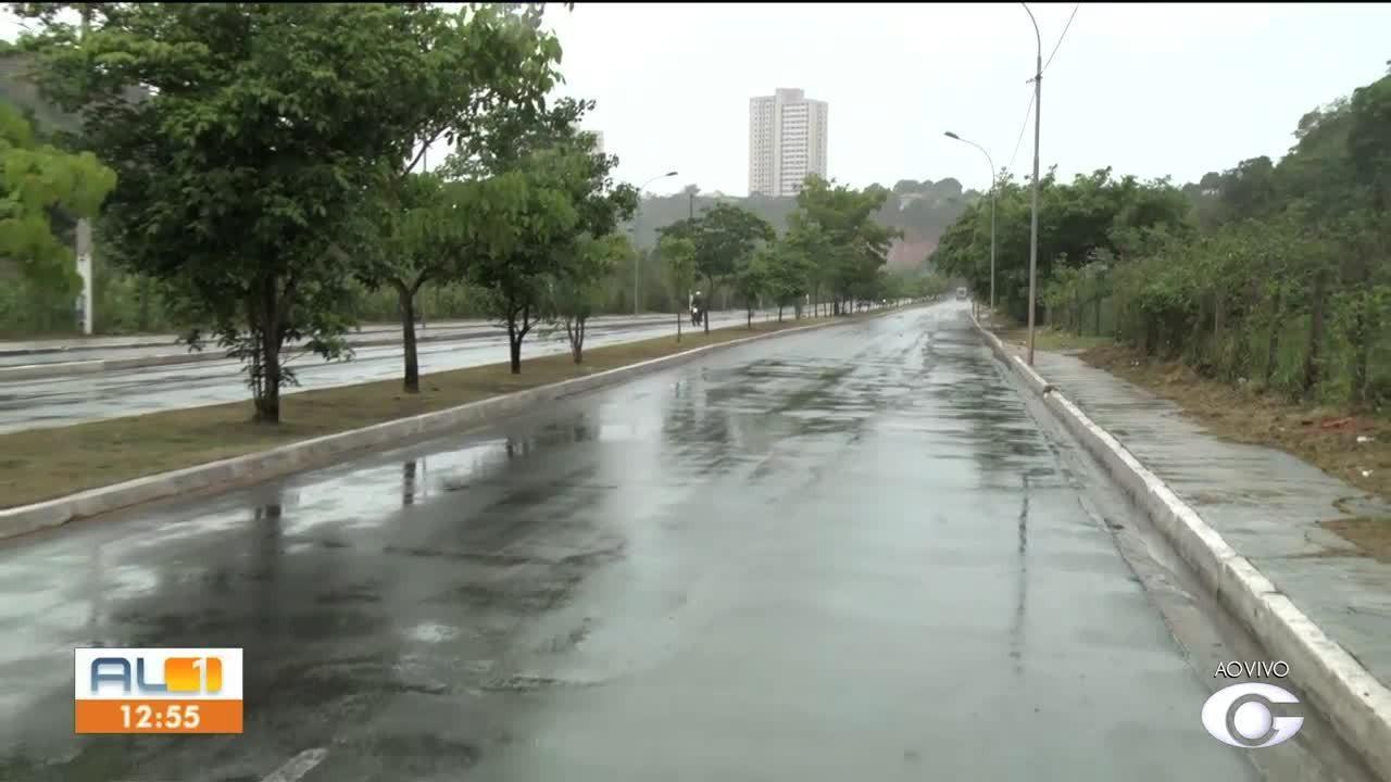 Trânsito na Avenida Pierre Chalita, em São Jorge, é interditado para conserto de via