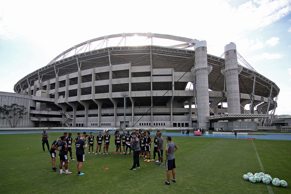 Barroca e jogadores têm chance de mostrar serviço na reta final do Brasileirão — Foto: Vitor Silva/Botafogo
