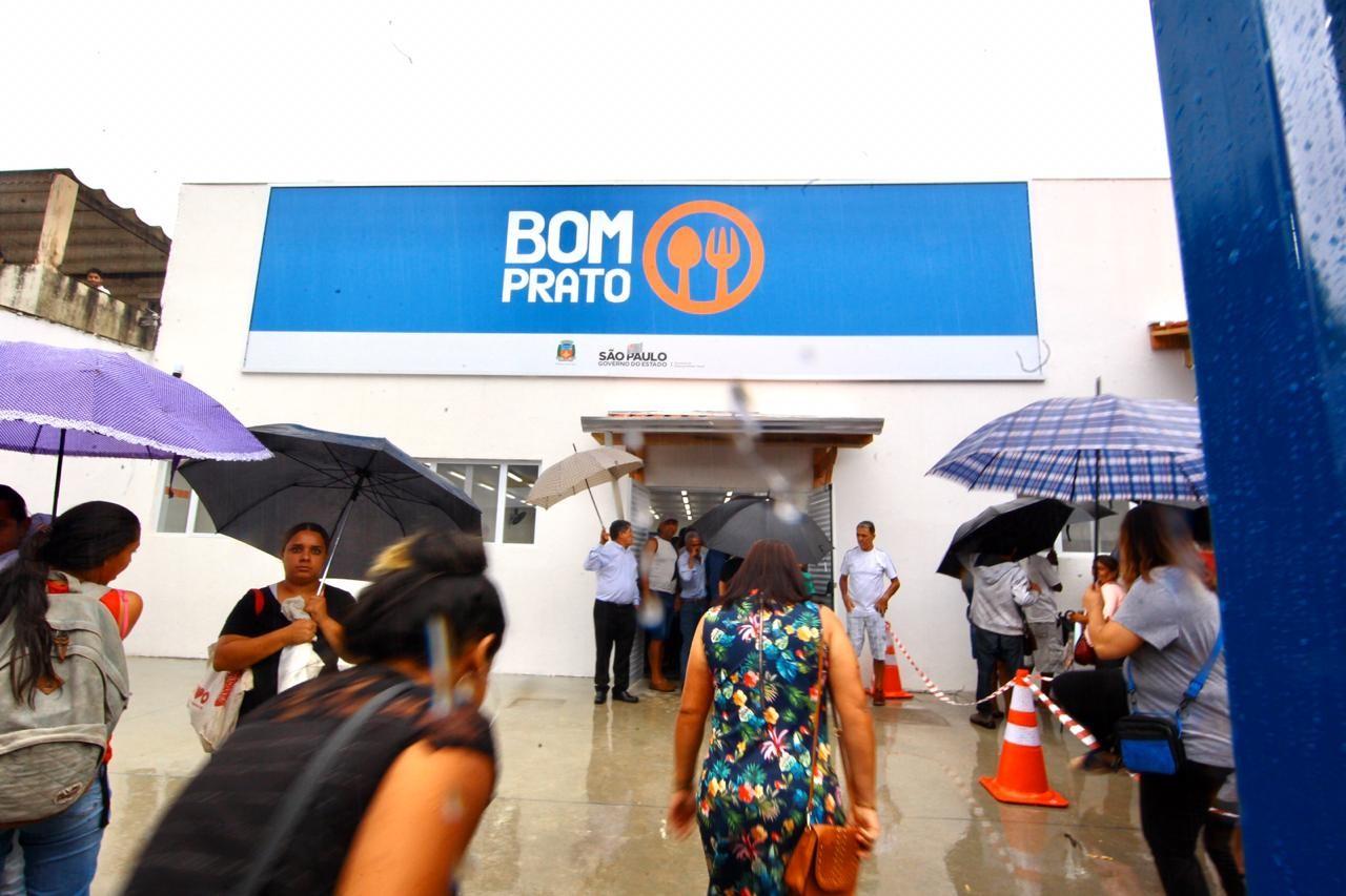 Estado de SP tem recurso negado pela Justiça e Bom Prato volta a oferecer refeições gratuitas a moradores de rua