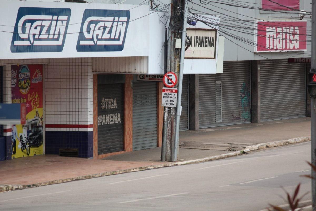 Durante decreto de 'lockdown', estabelecimentos com serviços essenciais devem fechar às 18h em Santarém