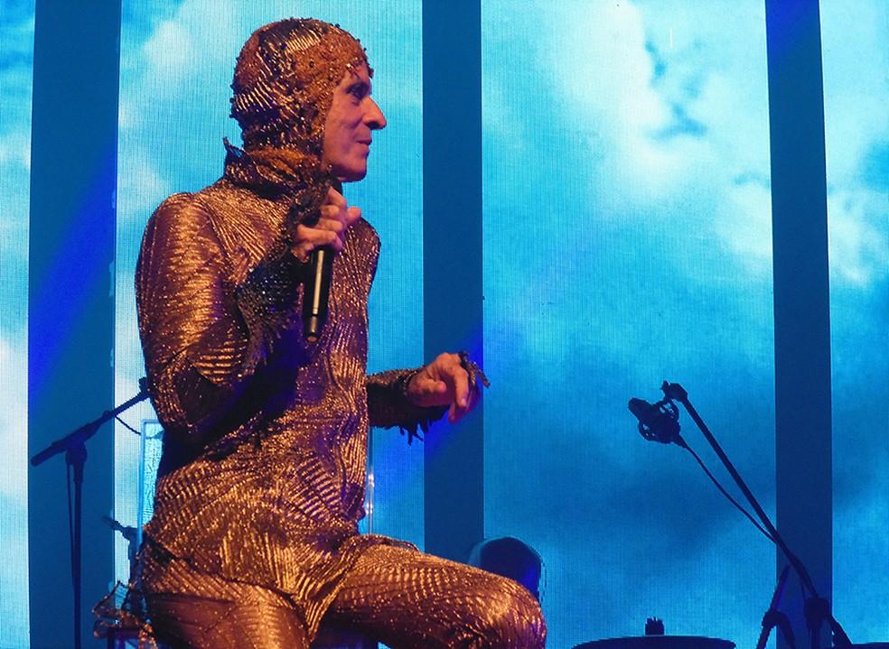 Ney Matogrosso no show 'Bloco na rua' — Foto: Mauro Ferreira / G1
