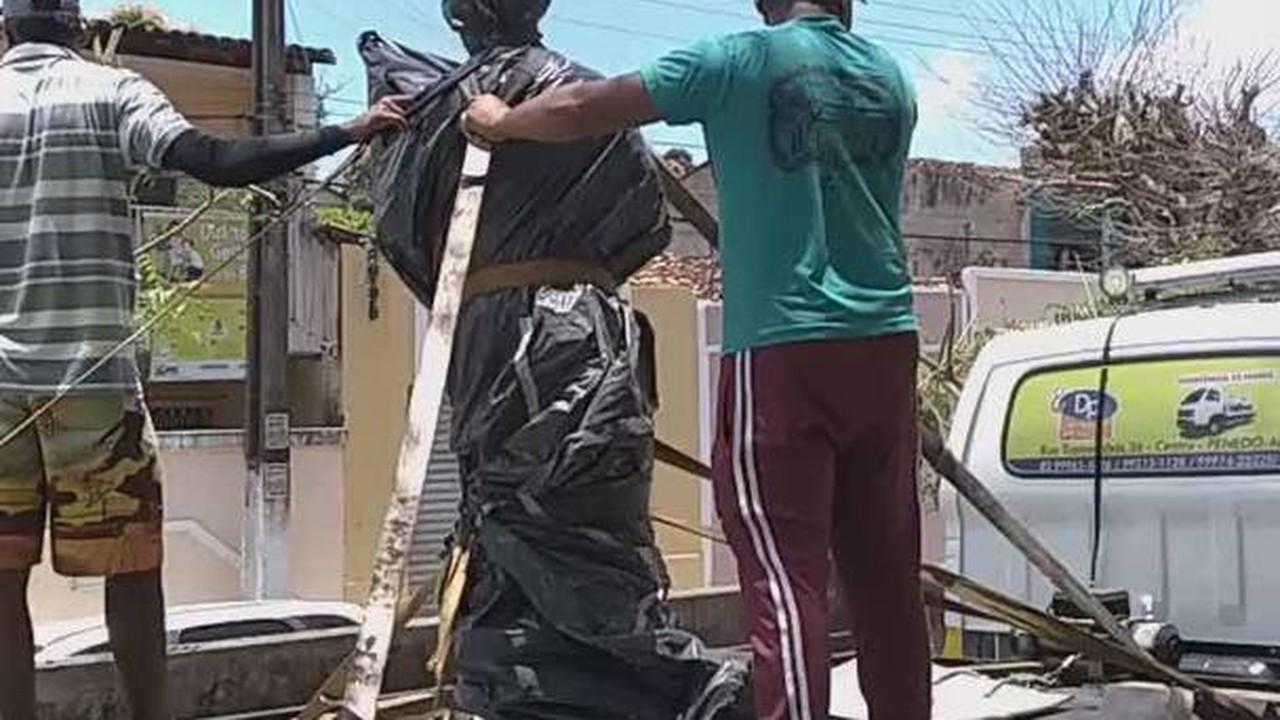 Vídeo sobre a estátua de Carlinhos Maia no Barro Vermelho, em Penedo