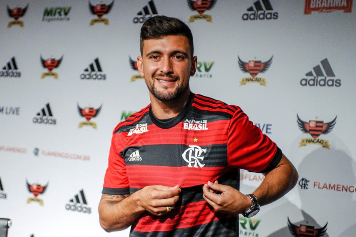 0109d64f67 Arrascaeta chega confiante ao Flamengo