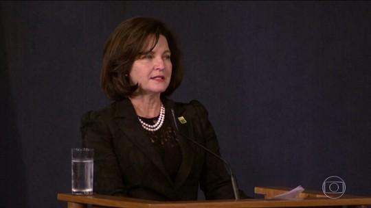 Raquel Dodge assume a PGR e diz que povo 'não tolera corrupção'