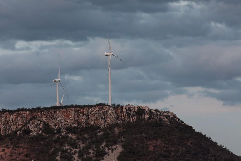 Turbinas eólicas instaladas na região próxima ao Boqueirão da Onça, na Bahia — Foto: Marcelo Brandt/G1