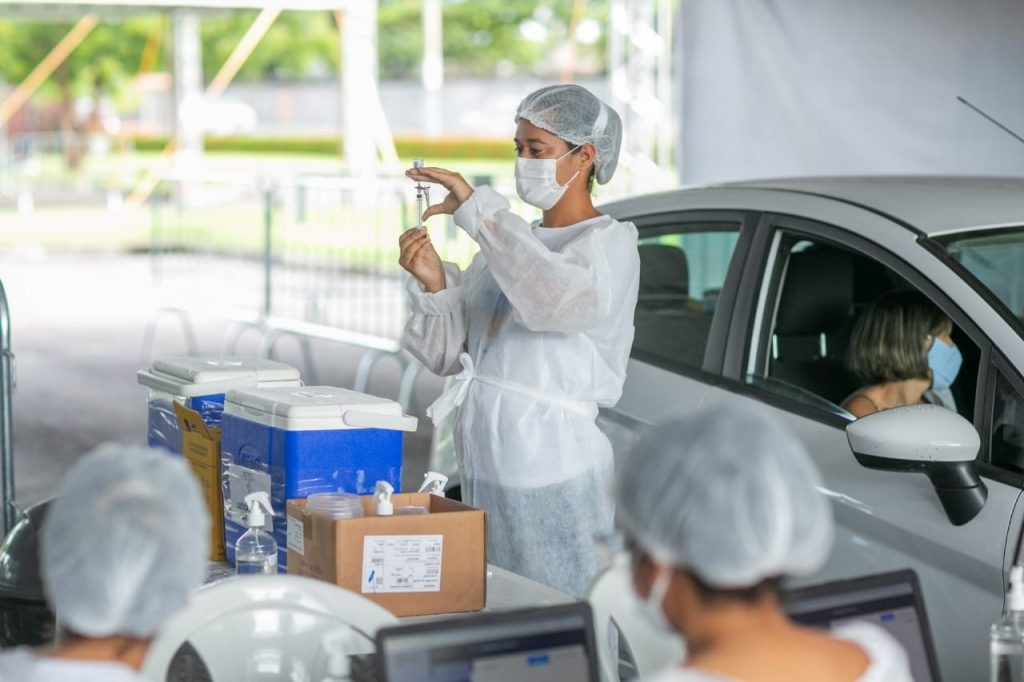 Maceió amplia vacinação contra Covid para pessoas de 33 anos