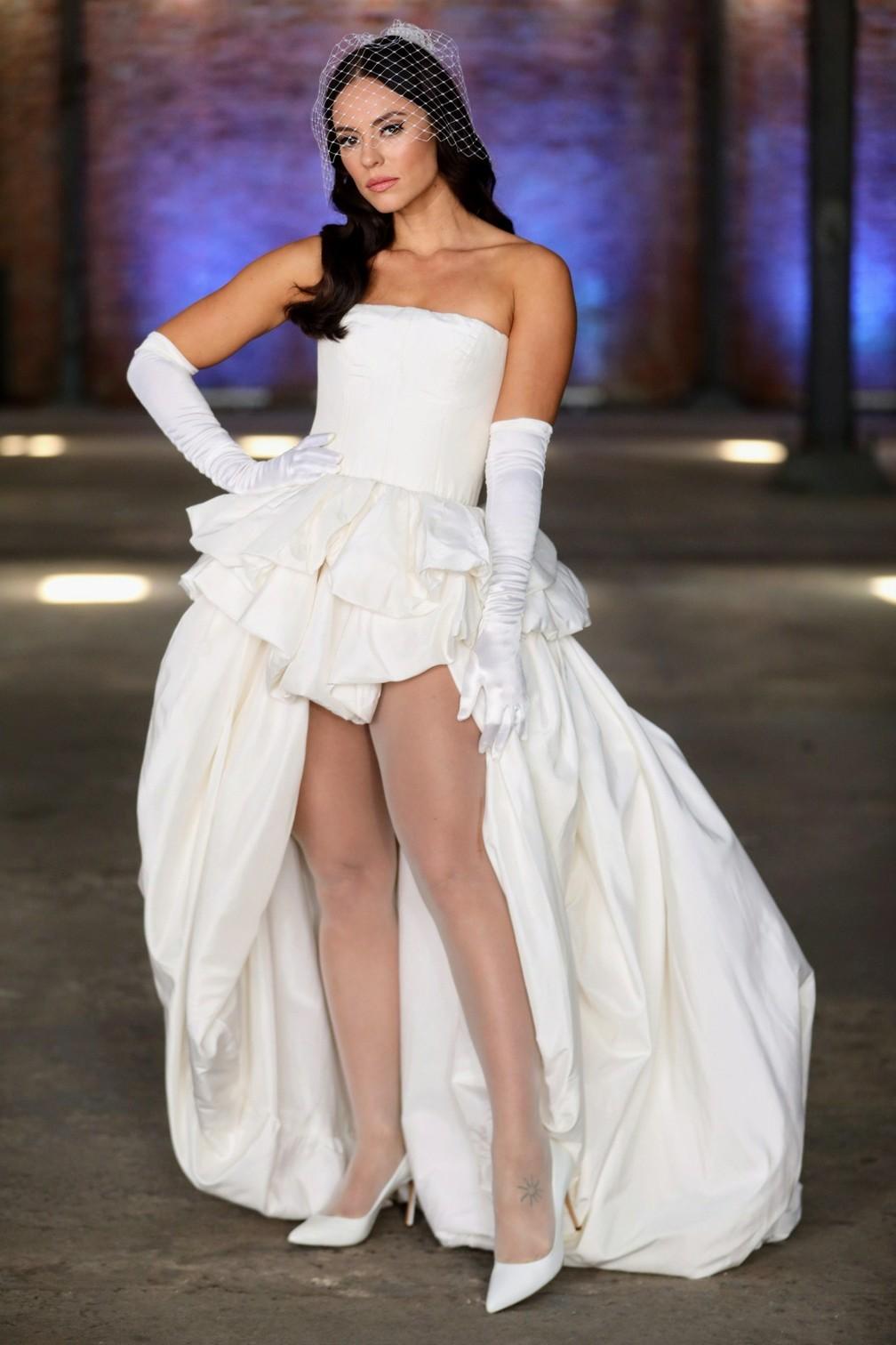 Vivi Guedes Escolhe Vestido De Noiva Ousado Veja As Fotos