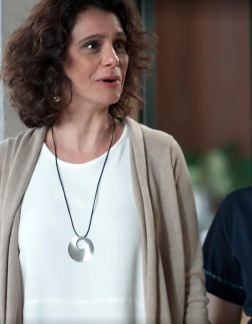 Marta (Malu Galli) é pega de surpresa em 'Malhação - Viva a Diferença' — Foto: Globo