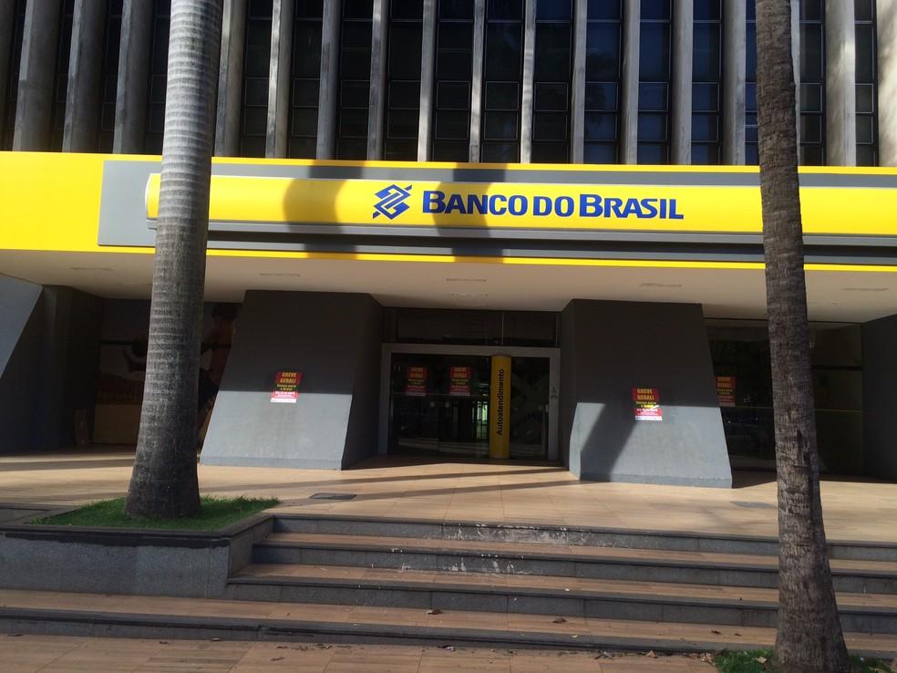 Bancos terão horários diferenciados por causa do coronavírus em Goiás — Foto: Sílvio Túlio/G1