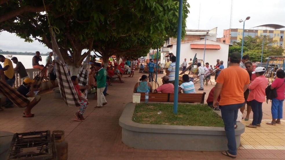 Comerciantes e trabalhadores protestam na Bolívia  (Foto: WhatsApp / reprodução )
