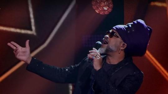 Brown lidera disputa, canta hit de 'Segundo Sol', e Lulu é bloqueado na 6ª noite de 'Audições às Cegas'
