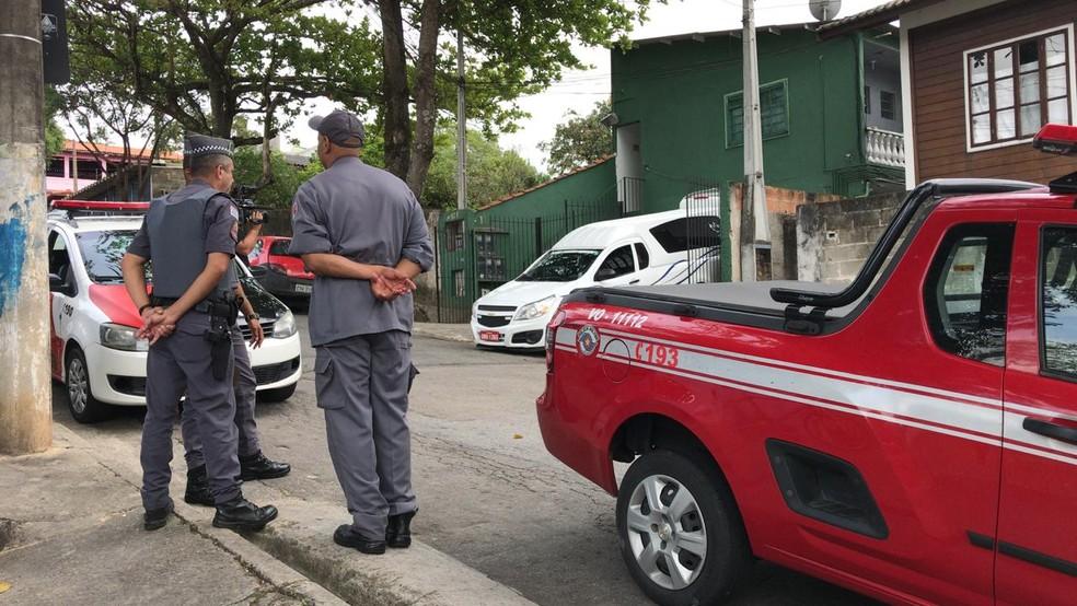 Mulher morreu carbonizada em São José dos Campos — Foto: Pedro Melo/TV Vanguarda