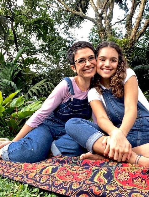 Sandra Annenberg com a filha, Elisa (Foto: TV Globo)