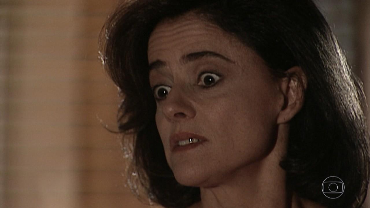 Alma diz que Helena tem que sair do caminho de Edu