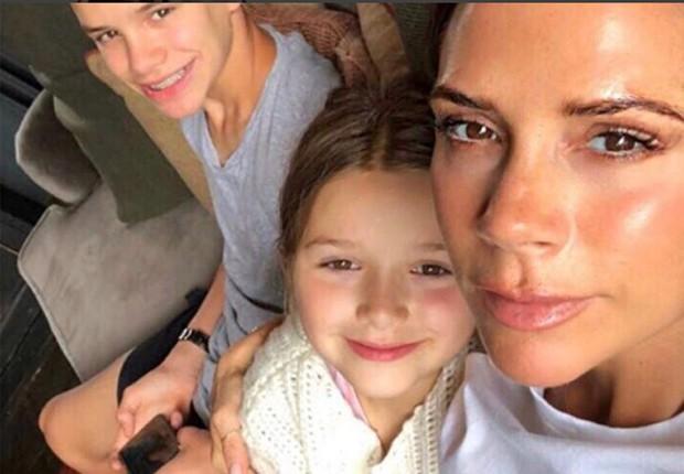 Victoria Bechkam com a pequena Harper (Foto: Reprodução/Instagram)