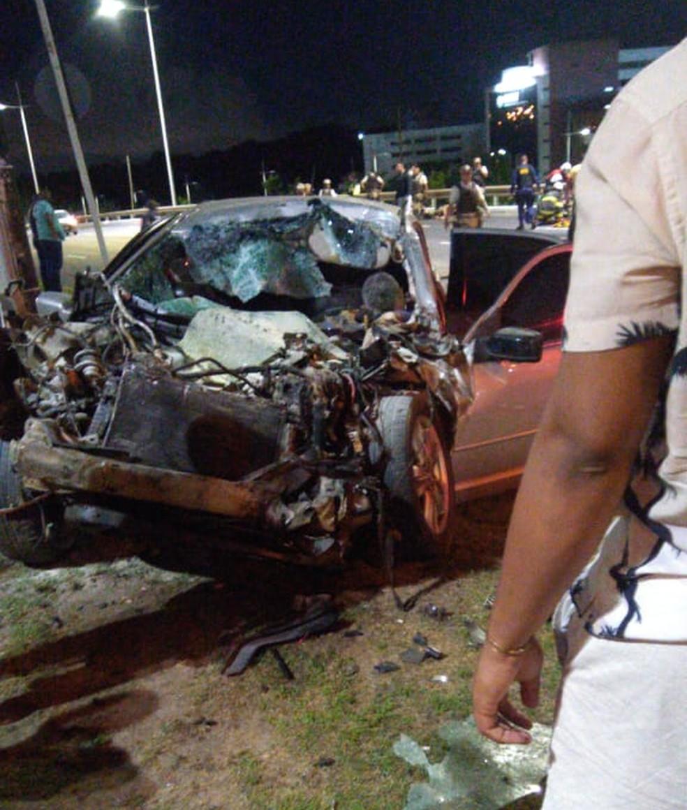 Acidente com viatura da PM em Salvador — Foto: Redes sociais