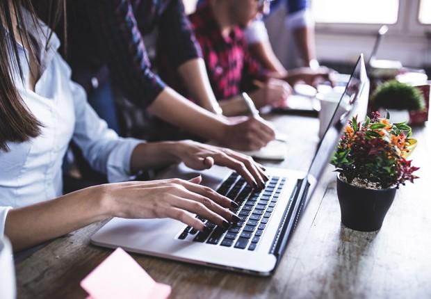 Carreira ; millennials ; sangue novo ; nova geração ; trabalho em grupo ; colaboração ; trabalho em equipe ; novas profissões ;  (Foto: Shutterstock)