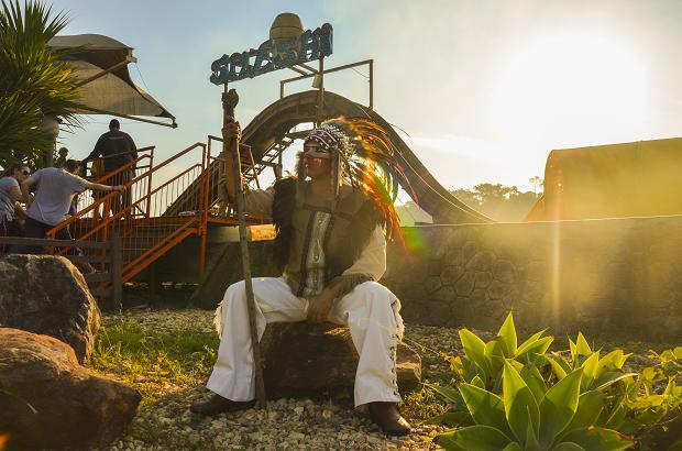 O índio é um dos personagens favoritos da criançada no Hopi Hari (Foto: Divulgação)