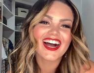Suzanna Freitas fala que já fez botox, preenchimento e silicone; vídeos