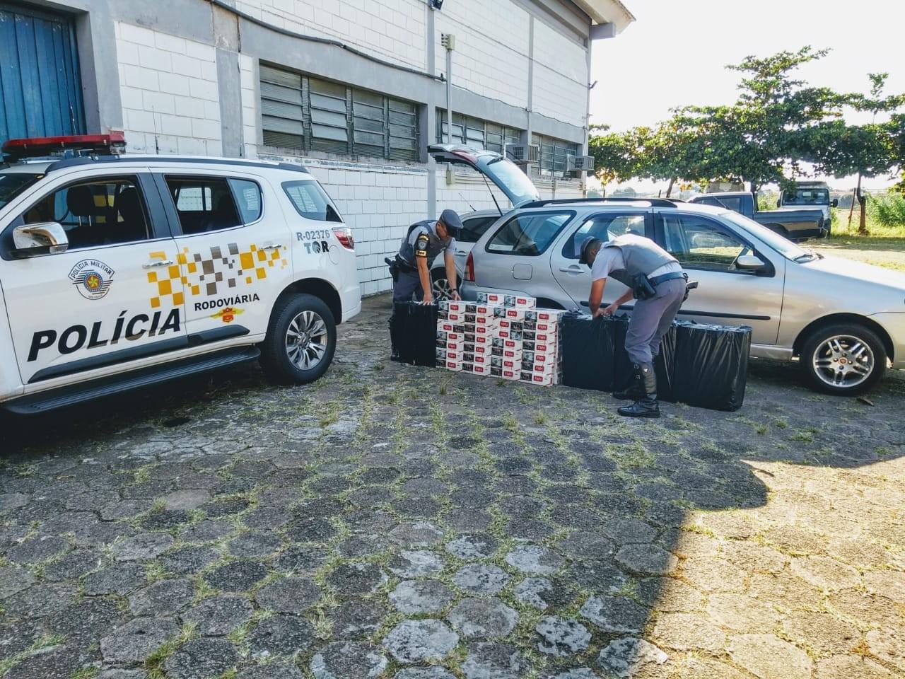 Polícia Rodoviária apreende mais de 3 mil maços de cigarros em rodovia de Marília