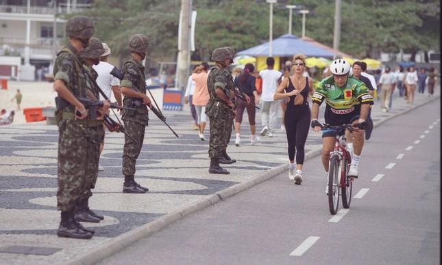 Temer envia Forças Armadas para o Rio para travar violência