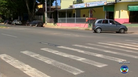 Jovem de 25 anos morre após ser derrubada de moto por carro em Itapetininga