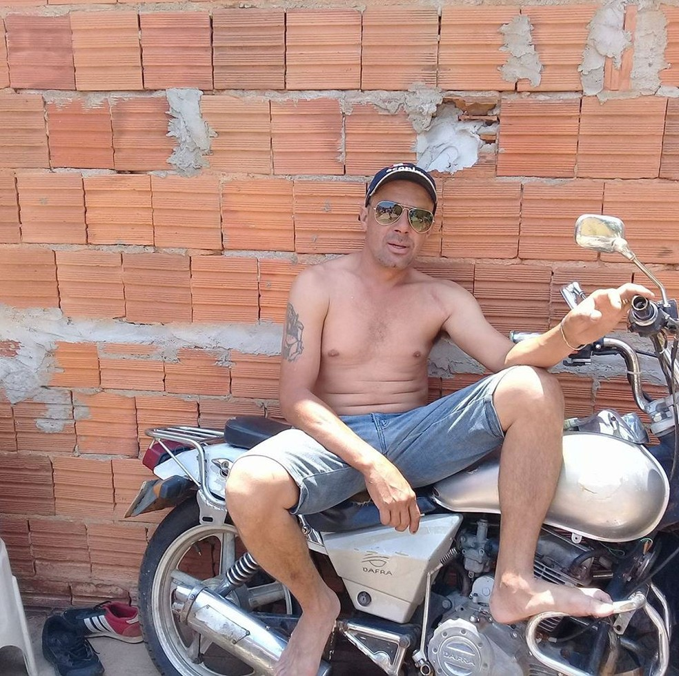 Antônio Djanak Silva Souza, de 42 anos, morreu em Cuiabá — Foto: Facebook/Reprodução