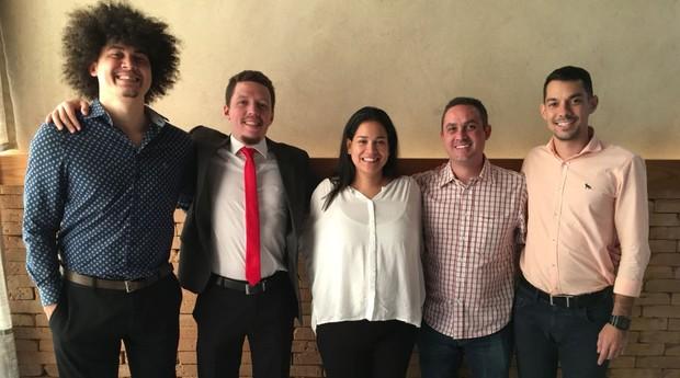 Rafael Mattos, Victor Abreu, Luciana Sarres, Felipe Sares e Thiago Salla (Foto: Divulgação)