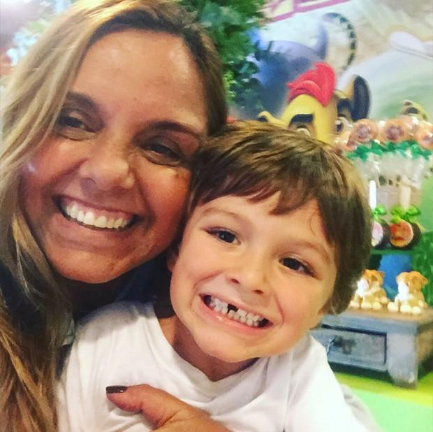 Ana, mãe do Felipe SImas com Joaquim (Foto: Reprodução/ Instagram)