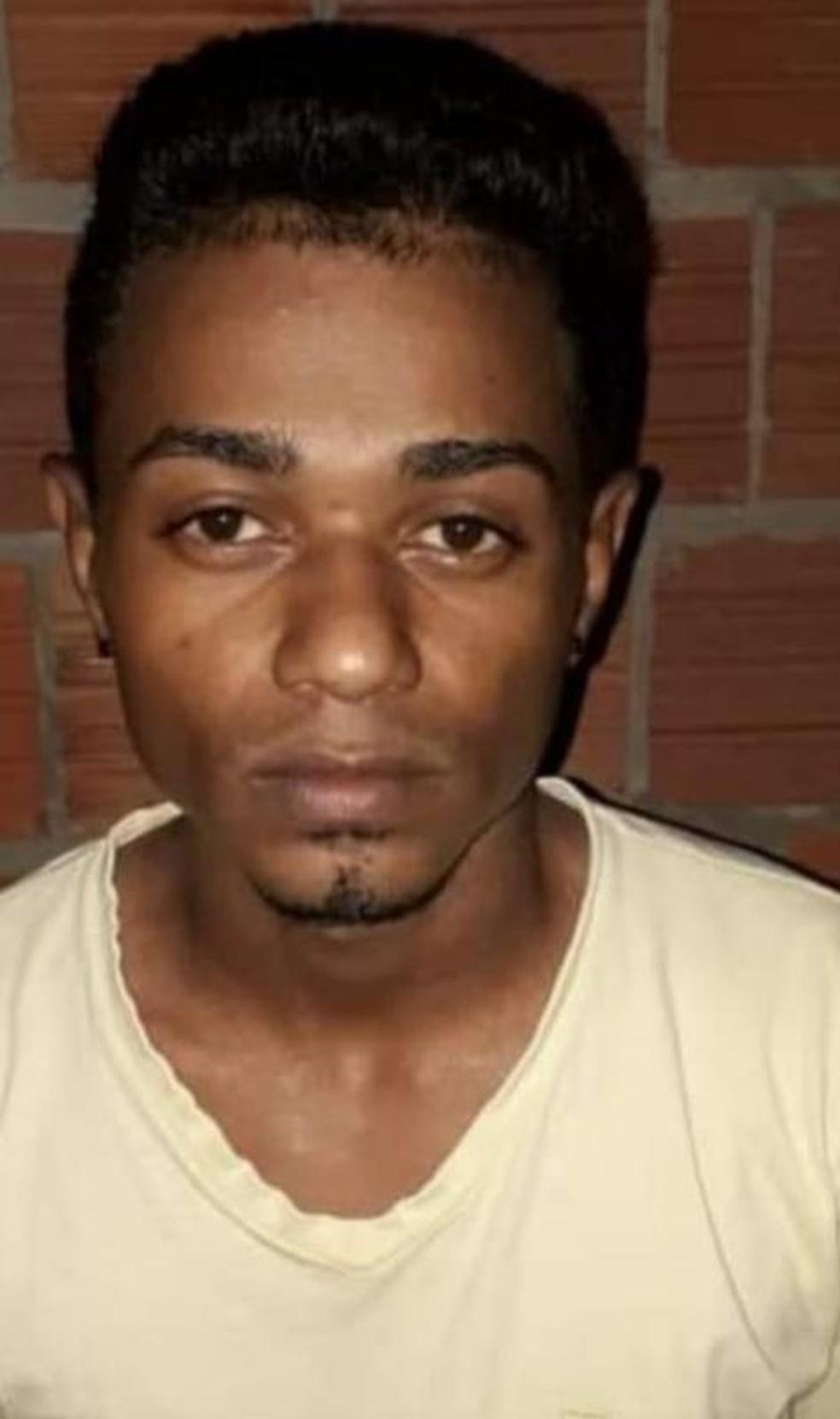 Kelvin Joseph Alves de Souza segue foragido. — Foto: Divulgação PC/AC