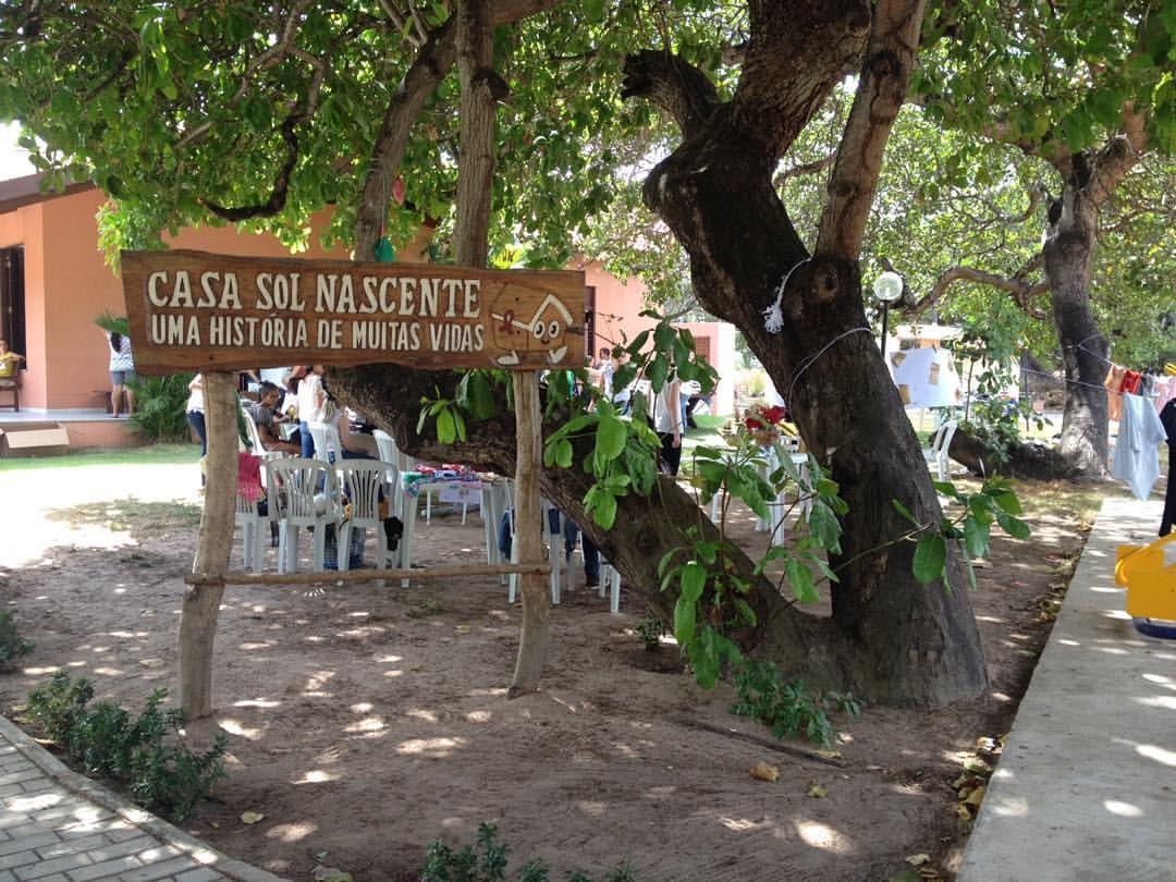 Instituição que cuida pacientes com aids em Fortaleza recebe doações no Dia do Sorvete