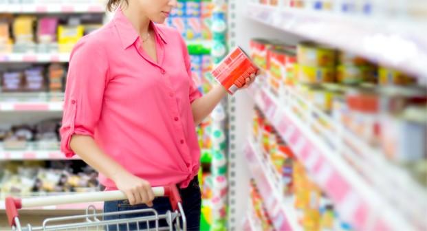 Confiança do consumidor sobe, mas ainda há cautela para gastar - Notícias - Plantão Diário