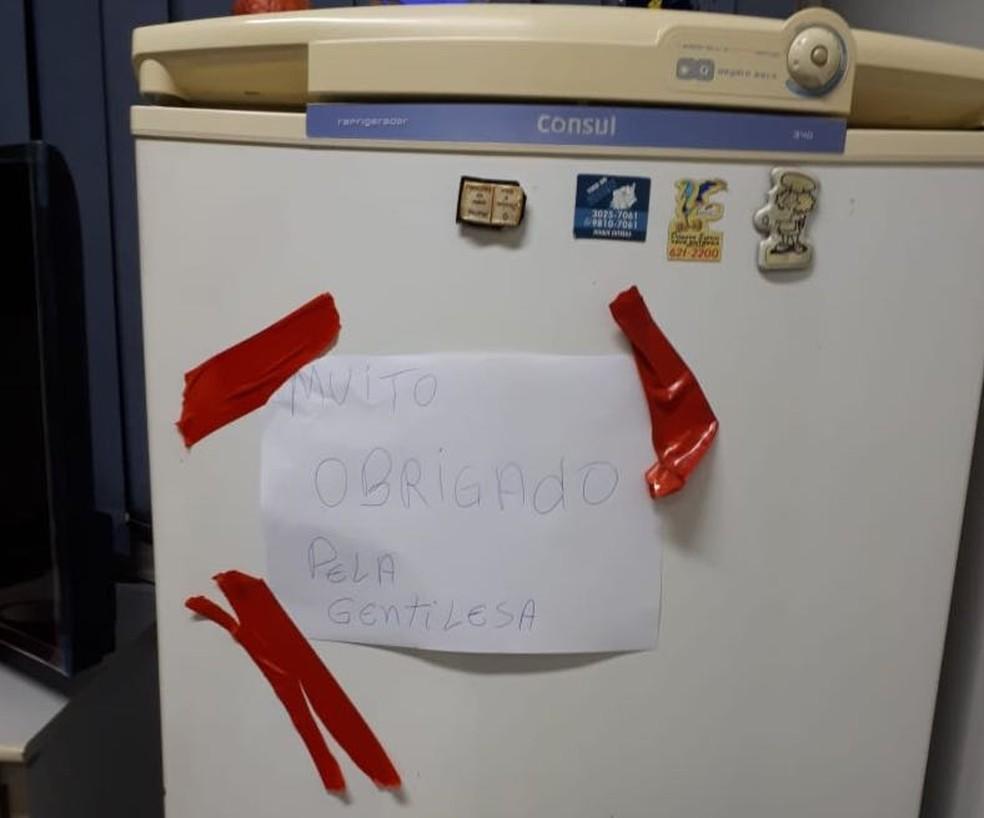 Ladrões deixam bilhete após arrombarem 2 cofres de banco em Cuiabá: 'Muito obrigado pela gentileza' (Foto: Polícia Militar de MT/Divulgação)
