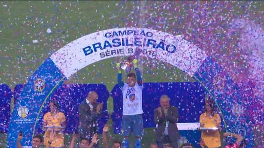 """Eu nasci para ser Fortaleza"", emociona-se goleiro Boeck na festa do título da Série B"