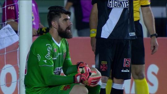 Fernando Miguel inicia 2019 como titular absoluto e sob comando de ídolos no Vasco