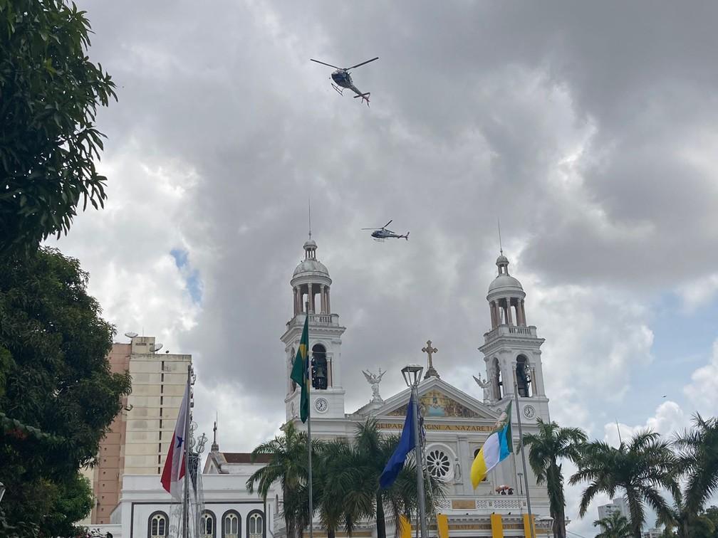 Círio de  Nazaré 2021: Sobrevoo da Imagem de Nossa Senhora de Nazaré sobre a Basílica  — Foto: Eduardo Quemel/G1