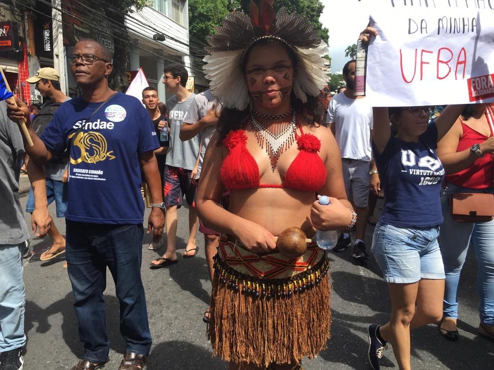 Thays Pataxó diz que luta pela garantia de educação aos indígenas â?? Foto: Maiana Belo/G1 Bahia