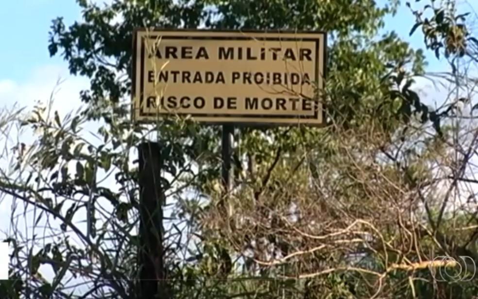 Soldados do Exército passaram mal durante um treinamento de sobrevivência em mata fechada em Jataí — Foto: Reprodução/ TV Anhanguera