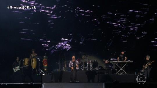 Frejat abre turnê após sair do Barão com show animado e discurso contra 'cambada do Planalto'