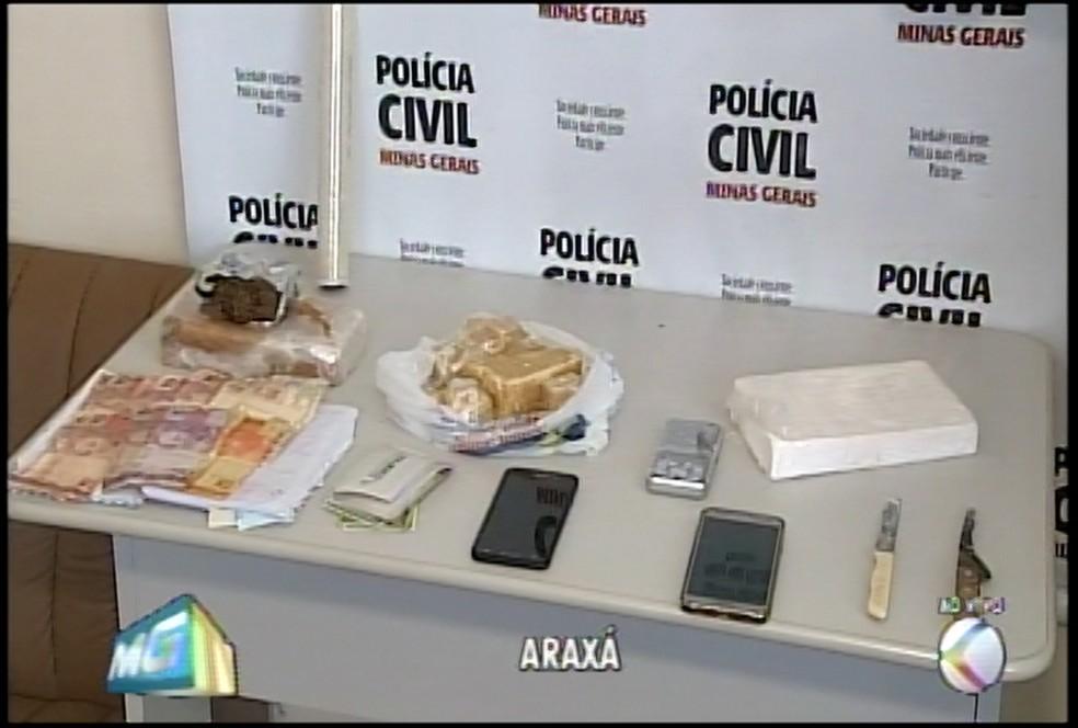 -  Material encontrado com os suspeitos em Araxá  Foto: Reprodução/TV Integração