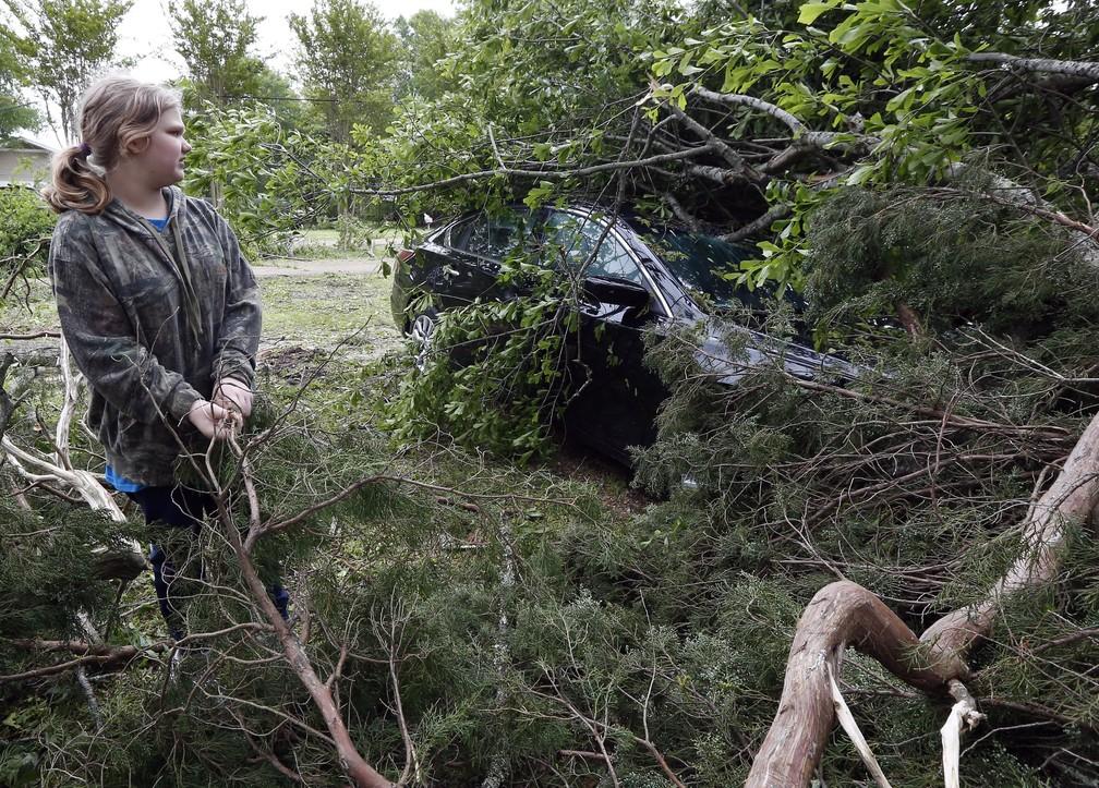 Destruição causada pela tempestade em Flora, Mississippi, neste domingo (14). — Foto: Rogerio V. Solis/AP