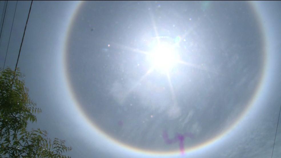 Fenômeno halo solar foi visto por moradores de Sousa, no Sertão da Paraíba — Foto: Beto Silva/ TV Paraíba